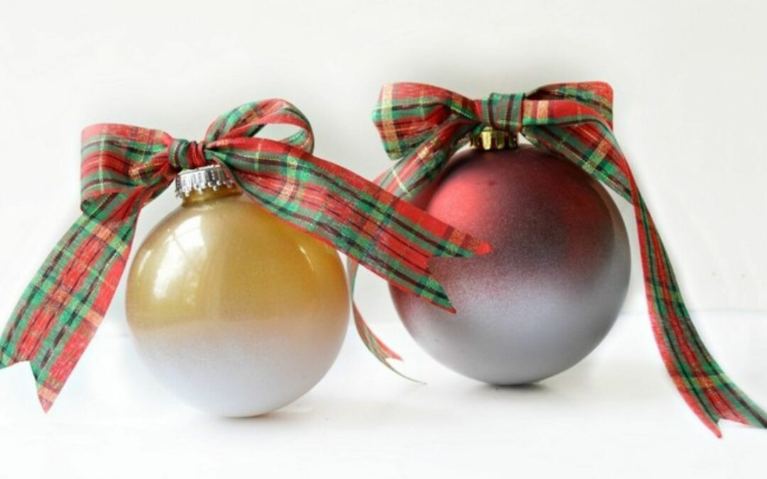 4 Easy (and Inexpensive) Christmas Spray Paint Projects
