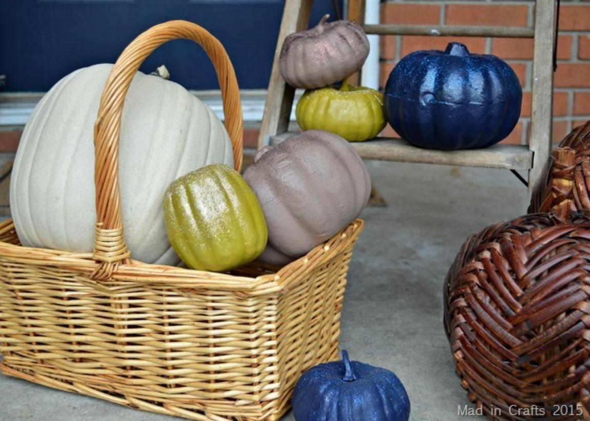 No Carve Pumpkin: Glitter Pumpkins. Spray Paint Pumpkin Projects